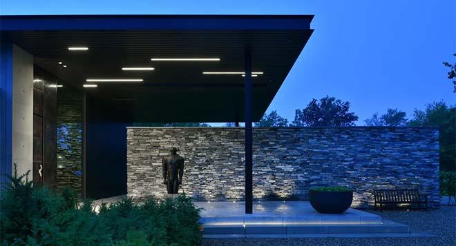 Net als binnenshuis, kan buitenverlichting de ruimte maken of breken