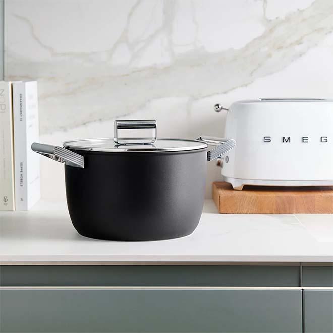 Smeg lanceert haar nieuw Cookware gamma