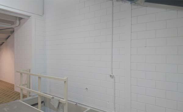 Wanden en plafonds laten spuiten