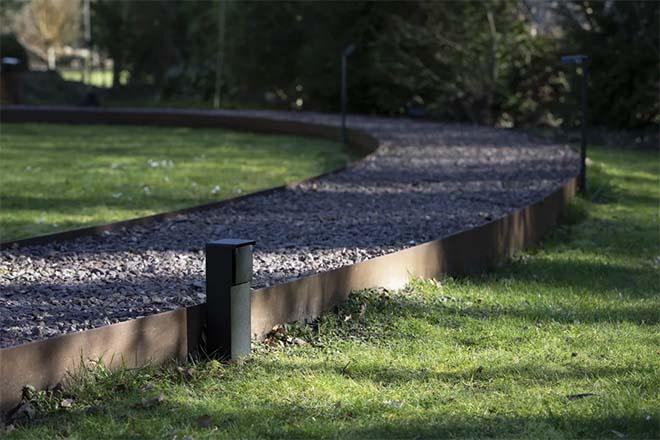 Elektrisch comfort zonder grenzen met de Niko Hydro tuinpaal