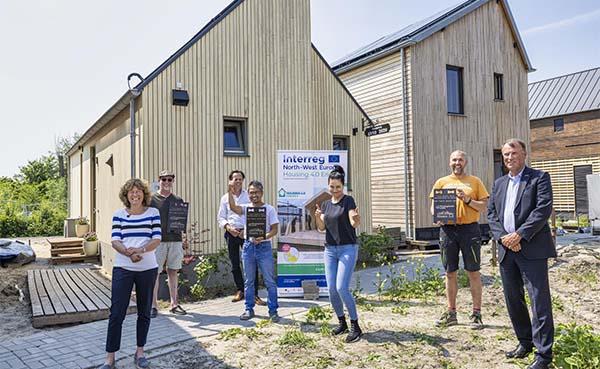 Eerste 'Wikihouse-wijkje' ter wereld bewoond