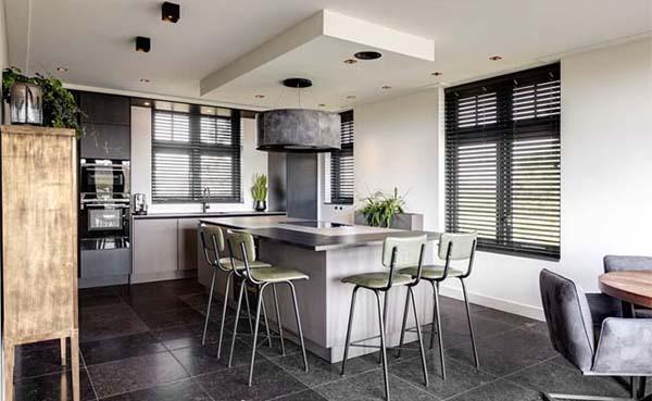 Spectaculaire verbinding tussen woonkamer en keuken