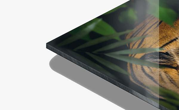 Een-luxe-uitstraling-met-schilderij-op-plexiglas