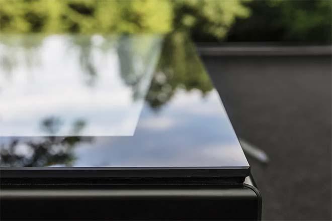 Nieuwe generatie Velux platdakvensters met glazen afwerking