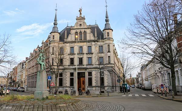 Prachtig gerenoveerd gebouw van het Rijksarchief in Antwerpen officieel heropend