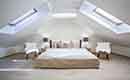 Zo richt je een (slaap)kamer met een schuine wand in