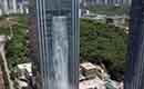 Waterval van 108 meter uit wolkenkrabber in China