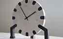 Restmateriaal van keukenbladen verwerkt tot design klok