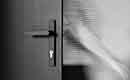 Reynaers Aluminium lanceert uitgepuurde Touch raam- en deurkrukken